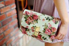 se liga na make : bolsas estampas florais