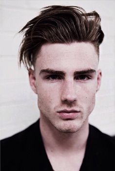 Mens hair gives the latest mens hairstyles and modern mens haircuts, plus hairstyling tips and advice from barbers and hairstylists. #hair #beauty