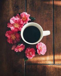 """Creo en esas pláticas con #café hasta las mil horas, creo en los """"buenos días""""…"""