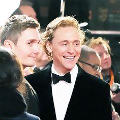 Tom hiddleston luke windsor dating