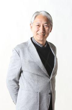 ゲスト◇島敏光(toshimitsu Shima)1949年、神奈川県鎌倉市にジャズ・シンガーの故笈田敏夫の長男として生まれる。 成城大学在学中に、フォーク・コンサートの司会をしていたところ、 ホリプロにスカウトされ、D.J.としてデビュー。 以後、TBSの「ヤング720」のリポーター、 ニッポン放送の「サタデーニッポン」のDJ等で活躍。 父はジャズシンガーの故 笈田敏夫。 伯父は映画監督の故 黒澤明、従兄に黒澤久雄がいる。 現在はテレビ、ラジオ、新聞などで映画を紹介する一方、コンサート、 結婚式の司会など、幅広い分野で活動を続けている。