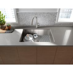 Ludington Undermount Stainless Steel (Silver) 32 in. Single Bowl Kitchen Sink
