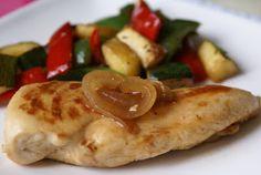 Délicieusement... simple !: BLANC DE POULET AU PAPRIKA Gluten, Chicken, Dinners, Simple, Chicken Schnitzel, Chicken Breasts, Onion, Zucchini, Baked Chicken