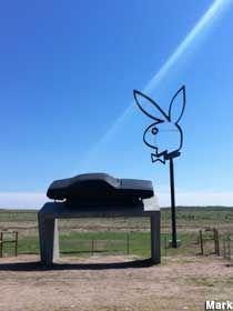 Playboy bunny sculpture - Dallas, TX