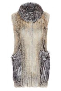 Меховой жилет из золотой лисицы October Outfits, Fox Coat, Fur Accessories, Fabulous Furs, Russian Fashion, Faux Fur Vests, Snow Suit, Fur Fashion, Swimwear Fashion