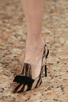 Loveliness & sleekness. Dark skin or tanned feet/legs would make these look REMARKABLE!