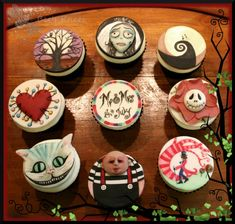 Tim Burton themed wedding cupcakes by Bee's Knees....Family, friends, or boyfriend....i want theses for my birthday!!