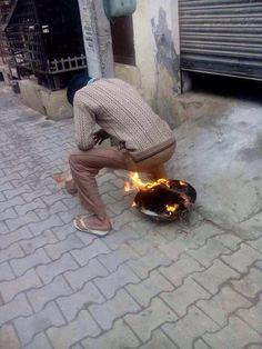 Thandi ho ya Garmi Indian ki to lagi rahti hai !!.. whatsapp funny indian images .. india day by day funny pictures