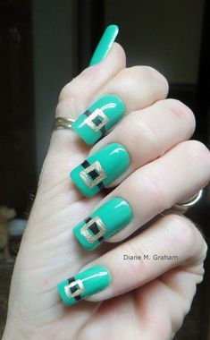 Get your share of good luck with St. Paddy's Day nail designs from Katie Saxton (Photos) Mani Pedi, Nail Manicure, Diy Nails, Nail Polish, Manicures, St Patricks Day Nails, Paddys Day, Nail Treatment, Cool Nail Designs
