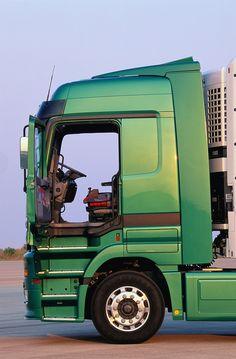 Camper Trailers, Camper Van, Customised Trucks, Mercedes Benz Trucks, Vr46, Cool Trucks, Cars And Motorcycles, Volkswagen, Acting