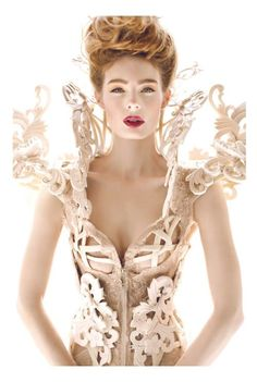 Alexander McQueen: amazing neckline again wear with a very small red or zesty beret Now that's what I call a corset! Look Fashion, Fashion Details, Fashion Art, Editorial Fashion, High Fashion, Fashion Design, Fashion 2017, Fashion Fashion, Fashion Beauty