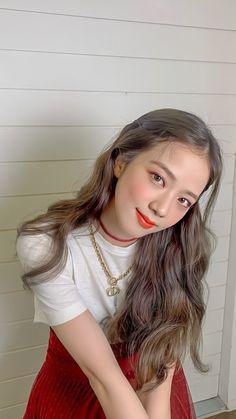 Korean Makeup, Korean Skincare, South Korean Girls, Korean Girl Groups, Vogue Korea, K Pop Music, Insta Photo Ideas, Dior Couture, Korean Street Fashion