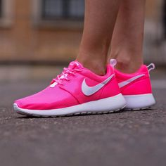 NIKE NSW ROSHERUN (GS)  http://www.runcolors.pl/pl/product/rosherun-gs-7