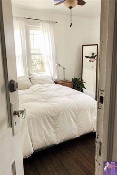 white bedroom ideas Room Decor Bedroom Bedroom Home Ideas Style white Dream Rooms, Dream Bedroom, Bedroom Inspo, Bedroom Decor, Bedroom Inspiration, Mirror In Bedroom, Cozy Bedroom, Bedroom Apartment, Wall Mirror