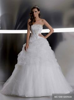 White tulle wedding dress! YES!!!!