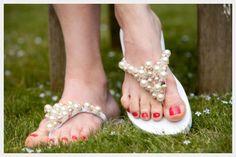 DIY Shoe Refashion: DIY Beaded Flip Flops DIY Shoes DIY Refashion