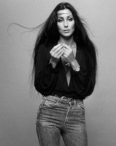 Five decades of Cher outfits Fall Hair Cuts, Long Hair Cuts, Short Hair, Straight Hair, Moda Fashion, 70s Fashion, Fashion Outfits, Denim Outfits, Jeans Fashion