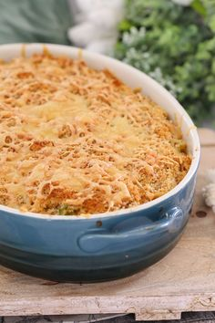CLASSIC CREAMY TUNA PASTA CASSEROLE  is a family favourite! It's a budget-friendly midweek dinner that's packed full of vegetables and can be made ahead of time and frozen.    #family #dinner #easy #recipe #tuna #pasta #casserole #healthy #thermomix #conventional #recipe