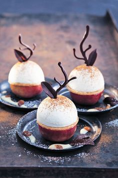 Baked Apple with Sour Mousse and Cinnamon - Christmas Baking - Apple . - Baked apple with sour cream mousse and cinnamon – Christmas baking – apple - Beaux Desserts, Fancy Desserts, Köstliche Desserts, Delicious Desserts, Italian Desserts, Cinnamon Desserts, Cinnamon Recipes, Cinnamon Apples, Winter Desserts