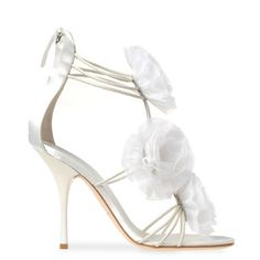 White Wedding shoes from Giuseppe Zanotti with floral appliqués. So fancy and pretty!