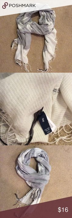 GAP fall scarf Brown and white,gently used fall scarf. Perfect for any occasion. GAP Accessories Scarves & Wraps