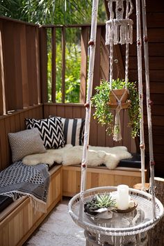 7 Sneaky Solutions for Small Outdoor Spaces Maybe the built in bench area should be along the back fence with a fire pit asks some sort of stones on Tue ground instead of grass… Small Outdoor Patios, Outdoor Living, Outdoor Decor, Outdoor Ideas, Small Terrace, Small Patio, Narrow Balcony, Outdoor Rooms, Indoor Outdoor