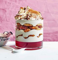 Come New Year's Eve, the classic trifle (sorry pavlova lovers) blows every other dessert out of the water. Here, we've compiled our 30 ultimate trifle recipes. Best Trifle Recipe, Desserts Ostern, Easter Desserts, Trifle Dish, Dinner Party Menu, Italian Desserts, No Bake Desserts, Tray Bakes, Creme