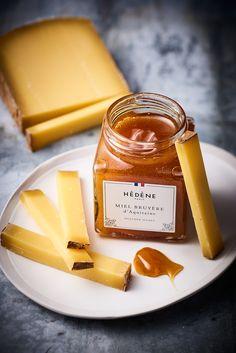 [EPISODE 8] Miel d'exception, fromage de caractère : aujourd'hui, c'est le miel de bruyère d'Aquitaine Hédène associé à un Comté affiné 18 mois qui va vous surprendre.