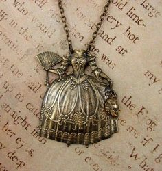 Off with her head! Marie Antoinecklace