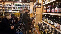 De Bierkoning - great beer store in Amsterdam stocking over 1,000 varieties of local and international beers. |  Paleisstraat 125