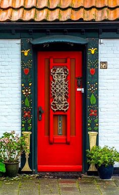 Found this red door in Texel, North Holland, Netherlands. Cool Doors, Unique Doors, Entrance Doors, Doorway, Front Doors, Pintura Exterior, When One Door Closes, Painted Doors, Door Knockers