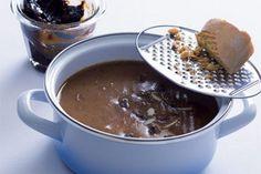 Povidlová omáčka   Apetitonline.cz Russian Recipes, Chocolate Fondue, Recipies, Good Food, Menu, Cooking, Desserts, Sauces, Amazing Recipes