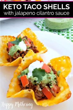 Cheesy Keto Taco Shells with Jalapeno Cilantro Sauce Are you looking for the best keto taco shell recipes as an alternative to tortillas? Our Keto Taco Shells are grain free, low carb and made with cheese! Low Carb Keto, Low Carb Recipes, Diet Recipes, Healthy Recipes, Diet Meals, Recipes Dinner, Healthy Food, Dessert Recipes, Primal Recipes