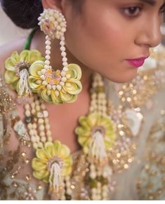 Just when you thought you've seen it all we have this absolutely gorgeous mehendi jewellery to swoon over! . . Tag a bride to be who's all set to get married this year . . For more such wedding inspiration follow @venuemonk  . . Browse from the widest range of 3000 Wedding Venues in Delhi NCR! Visit the link in bio to book at the lowest guaranteed price!  #WeddingInspirationByVM #WeddingGown #WeddingGoals #BridesOf2018 #Bride #WeddingIdeas #WeddingInspiration #Kaleerein #MehendiIdeas… Flower Garland Wedding, Flower Garlands, Floral Wedding, Indian Wedding Jewelry, Bridal Jewelry, Flower Jewelry, Flower Ornaments, Bridal Pictures, How To Make Ornaments
