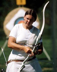 Wanda Allan du Canada participe au tir à  l'arc aux Jeux olympiques de Montréal…