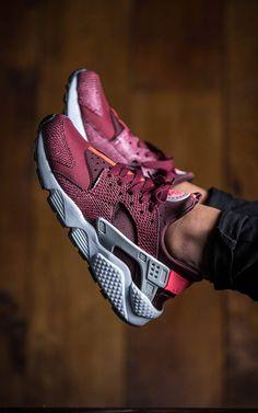 outlet store b39ae e8bdf Nike Air Huarache LE Nike Huarache Mujer, Nike Shoes Huarache, Nike  Huarache Women,
