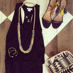 Collier tendance relique - joncs perles et clous + pyramide - trousse maquillage motif tribal