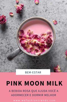 O Pink Moon Milk ou leite de lua rosa é a bebida mais aclamada do momento, não só por ter uma cor linda e ser extremamente instagramável, mas por suas propriedades de adormecer com um único gole. Esta bebida é capaz de o ajudar a ter um sono reparador, reduzir os níveis de stress e melhorar o seu sistema digestivo devido aos seus ingredientes naturais. Anote, faça essa receita e volte a dormir como um bebê. Quote Aesthetic, Stress, Wallpapers, Vegetables, Breakfast, Quotes, Tart Cherry Juice, Turmeric Tea, Cinnamon Tea