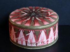 Gavotte                     Type:Powder                    Material(s):Cardboard                    Designer/Maker:Nally                    Box Description:Decorated to resemble a drum.                    Origin:Portugal                    Date or Era:1929