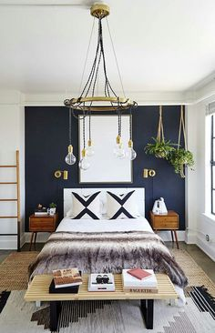 33 Epic Navy Blue Bedroom Design Ideas to Inspire You Navy blue is a highly sophisticated color that would fit a bedroom? Cast a glance over our navy blue bedroom ideas and convince yourself of its epicness! Home Decor Bedroom, Modern Bedroom, Interior Design, House Interior, Cool Rooms, Gorgeous Bedrooms, Room Design, Home Decor, Home Bedroom