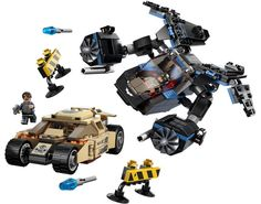 Fans of The Dark Knight Rises movie can now relive all of the excitement with this LEGO Superheroes: The Bat vs Bane Tumbler Chase set. Batman Lego Sets, Lego Factory, Mega Blocks, The Dark Knight Rises, Lego Projects, Lego Super Heroes, Gotham City, Bane, Dc Comics