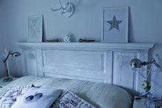 Sevedsgård1 : Vår sänggavel av en gammal spegeldörr!