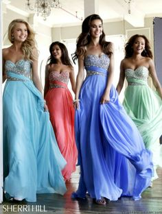 Super pretty beaded #sherri #prom dresses - Sherri Hill 3914