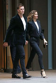 Gisele Bündchen and Tom Brady Are Twinning Ahead of Met Gala Gisele Bündchen, Cool Street Fashion, Street Style Women, Gisele Bundchen Tom Brady, Best Black Outfits, Estilo Cool, Mode Streetwear, Casual Chic, Ideias Fashion