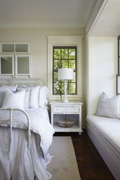 Gorgeous bedroom with the option of a window seat. lizmarie.blogspot.com