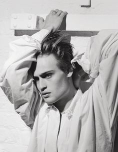 Fashion favorite actor Douglas Booth becomes the coverboy of VMAN's latest edition photographed for the main story by the legendary Bruce Weber. British Actors, American Actors, British Celebrities, Male Celebrities, Oliver Jackson Cohen, Tom Hopper, Scott Eastwood, Douglas Booth, Bruce Weber