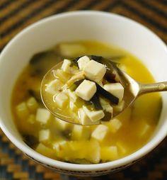 Soupe miso avec dés de tofu