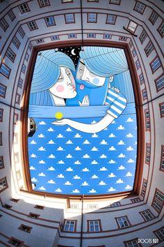 As lacunas geométricas formadas pela arquitetura dos prédios serviram de inspiração para o artista francêsThomas Lamadieu,Na série Sky Art o artista desenhouaspessoas que habitam os pequenos es…