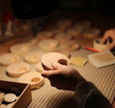 A moment of serenity in the atelier crafting the Pebble. #AtelierLife Moment de sérénité dans latelier : création de la Galet.  #Artisan #Hands #27Bones #Atelier #France #Handmade #WoodWork #Sanding #Maple #FrenchTouch