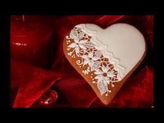 How to decorate gingerbread for Valentine's Day.